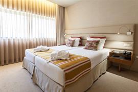 72051_000_Guestroom