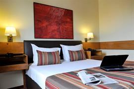 72051_005_Guestroom