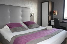 93713_005_Guestroom