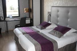 93713_007_Guestroom