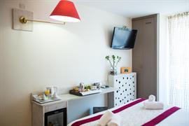 93588_005_Guestroom