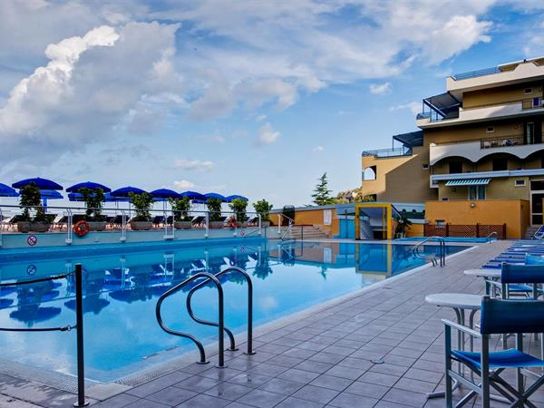 Sorrento hotels best western - Hotel in sorrento italy with swimming pool ...