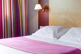 93625_006_Guestroom