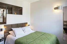 93434_006_Guestroom