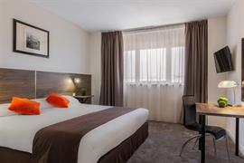 93589_002_Guestroom
