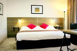 93589_006_Guestroom
