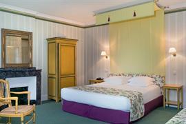93720_002_Guestroom