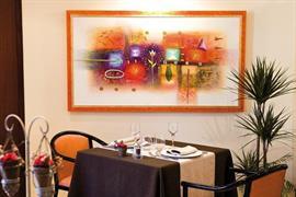 93511_004_Restaurant
