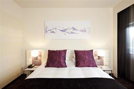 93765_002_Guestroom
