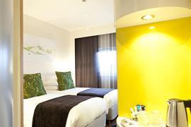 93765_003_Guestroom