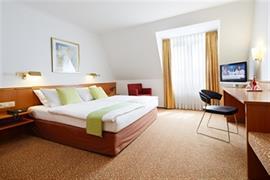 95381_007_Guestroom