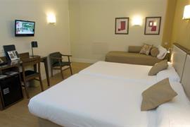 92200_003_Guestroom