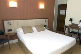 92200_004_Guestroom