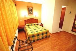 70148_003_Guestroom