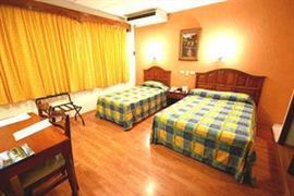 70148_004_Guestroom