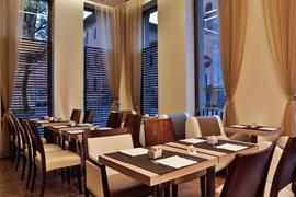 98306_004_Restaurant