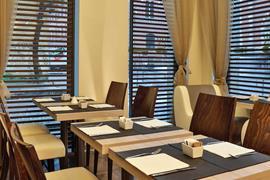 98306_007_Restaurant