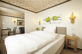 95439_005_Guestroom