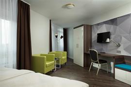 95492_004_Guestroom