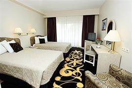 91301_006_Guestroom