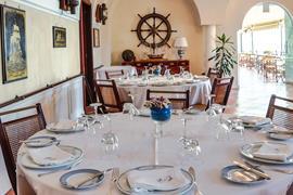 98187_003_Restaurant