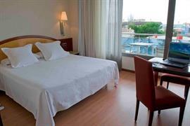 92210_004_Guestroom