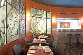 93635_006_Restaurant