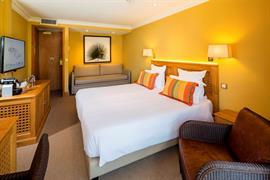 93493_005_Guestroom
