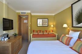 93493_006_Guestroom