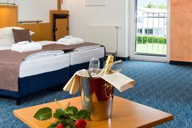 95296_004_Guestroom