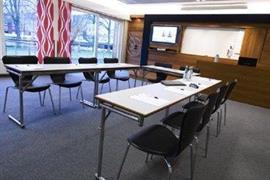 88153_005_Meetingroom
