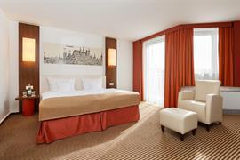 95361_004_Guestroom
