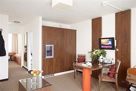 95361_005_Guestroom