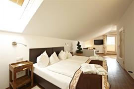 95081_006_Guestroom