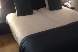 92924_002_Guestroom