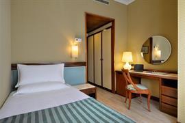 98050_007_Guestroom