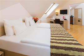 89613_002_Guestroom