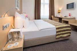 89613_003_Guestroom