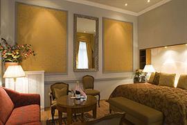 89058_002_Guestroom