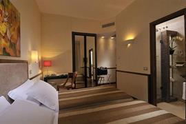 98025_007_Guestroom