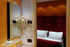 98343_005_Guestroom