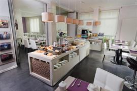93394_002_Restaurant