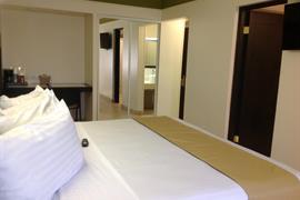 70117_005_Guestroom