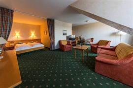 95490_001_Guestroom