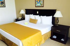 70132_001_Guestroom