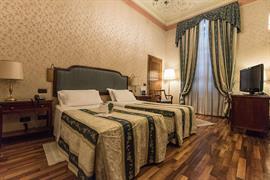 98113_001_Guestroom
