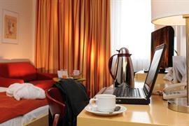 95282_003_Guestroom