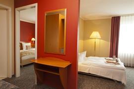 95389_001_Guestroom