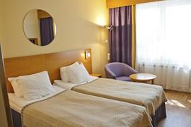 91085_002_Guestroom