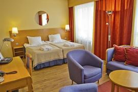 91085_005_Guestroom